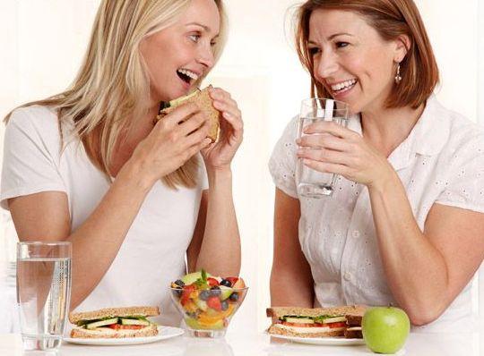 Как выдержать голод во время диеты