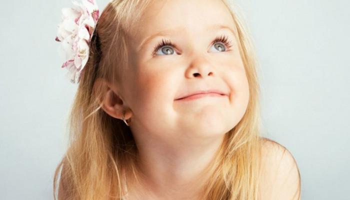 Какие детские золотые серёжки выбрать для юных принцесс?